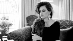 Penelope Cruz - NET-A-PORTER.COM, Video