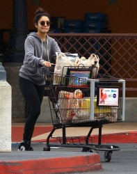 Vanessa & Stella Hudgens - grocery shopping at Ralph's in Studio City 11/16/13