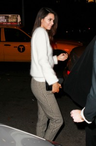 f1c9bd290002304 Kim Kardashian and Kendall Jenner – out and about *see thru* candids in New York