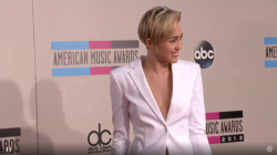 Miley Cyrus - 2013 American Music Awards in Los Angeles 11/24/13