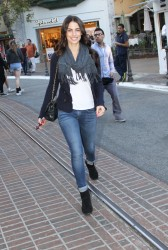 2663a5291663511 [High Quality] Jessica Lowndes   at The Grove in LA 11/26/13 high resolution candids