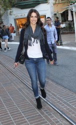 796867291663550 [High Quality] Jessica Lowndes   at The Grove in LA 11/26/13 high resolution candids