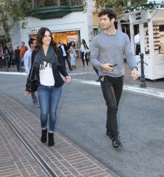 a98781291663261 [High Quality] Jessica Lowndes   at The Grove in LA 11/26/13 high resolution candids