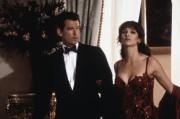 Джеймс Бонд 007: И целого мира мало / 007 The World Is Not Enough (Пирс Броснан, 1999) A2b824292271853