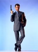 Джеймс Бонд 007: И целого мира мало / 007 The World Is Not Enough (Пирс Броснан, 1999) F76d96292271094