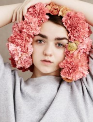 Maisie Williams 8