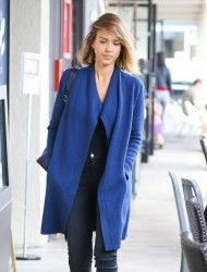 Jessica Alba - Going to a hair salon in Beverly Hills 4/24/15