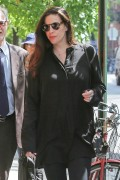Liv Tyler has a lunch meeting at Sant Ambroeus Restaurant in New York City May 8-2015 x8